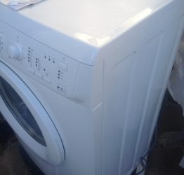 Продам стиральную машина Electrolux EWS106210W